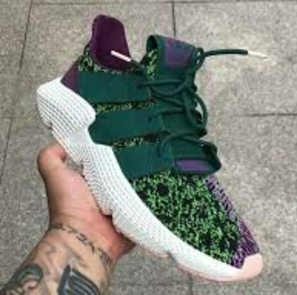 check out 70f33 096aa Limited edition Dragon Ball Z Adidas (Cell)